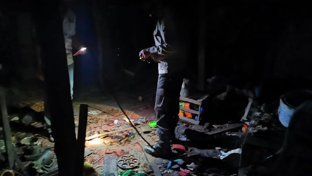 Peracik Bubuk Petasan di Jombang Tewas Terkena Ledakan, Ibunya Alami Luka Bakar