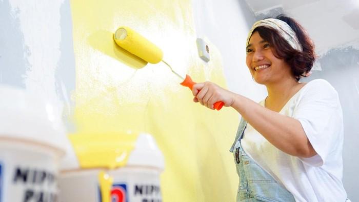 Guna menjangkau lebih dekat dengan konsumennya, Nippon Paint Indonesia memperkenalkan layanan WA Care untuk para pelanggannya.