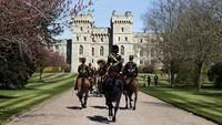 Pangeran Philip Dimakamkan di Kastil Windsor, Begini Suasananya