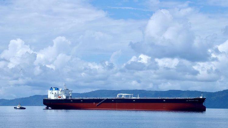 Wow! Kapal Tanker Raksasa Tiba di Indonesia