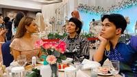 Keseruan Thariq Halilintar Saat Makan Bareng Atta-Aurel dan Gen Halilintar