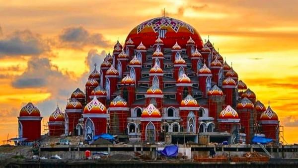 Masjid 99 Kubah, Makassar. Masjid megah dan indah ini berada di Kota Makassar. Hermawan/detikcom
