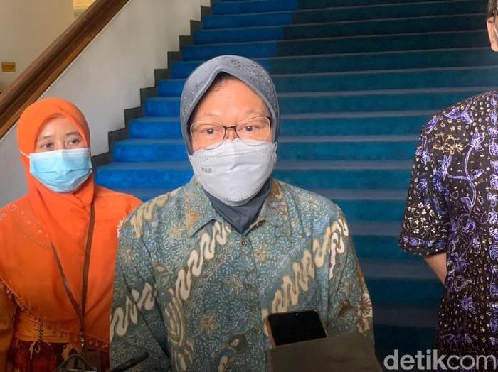 Wakil Ketua MPR RI Hidayat Nur Wahid (HNW) mengkritik kebijakan Menteri Sosial (Mensos) Tri Rismaharini. Kritik tersebut terkait penghentian bantuan sosial tunai (BTS).