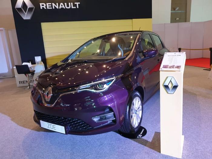 Mobil listrik Renault Zoe diperkenalkan di arena IIMS 2021