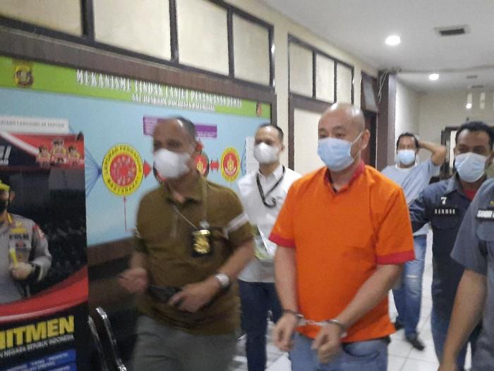 Pelaku penganiayaan perawat RS Siloam Jason Tjakrawinata alias JT (38)