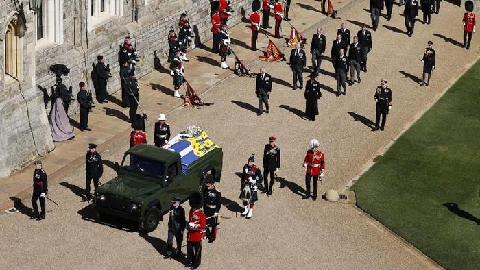 Pangeran Philip dimakamkan, Sabtu (17/4/2021) waktu Inggris. Pemakaman Pangeran Philip dilakukan secara seremonial, bukan pemakaman kenegaraan.