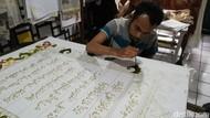 Melihat Penulisan Al-Quran Batik yang Dikerjakan Para Tunarungu di Solo