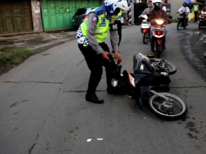 Polisi bubarkan balap liar di kabupaten bandung