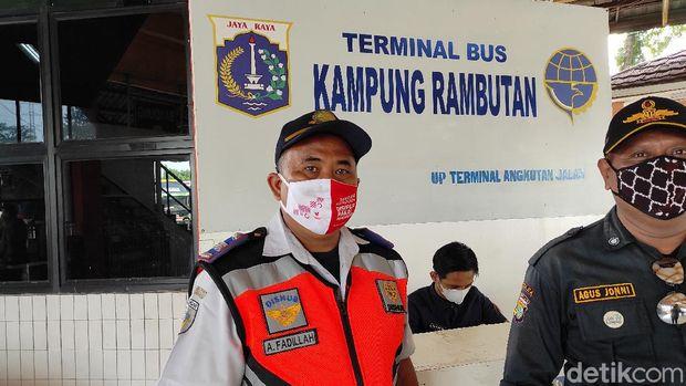 Suasana di Terminal Kampung Rambutan jelang pelarangan mudik 6-17 Mei (Azhar Bagas/detikcom)