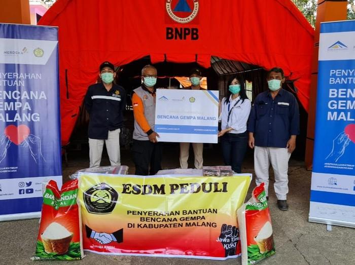 Kementerian Energi dan Sumber Daya Mineral (ESDM) membentuk sebuah tim siaga bencana. Tim itu membantu penanggulangan bencana gempa di Malang dan Lumajang.