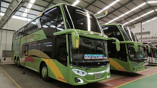 Bus tingkat PO Gunung Harta