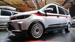 Dua Mobil Wuling Tampil Sporty di IIMS 2021