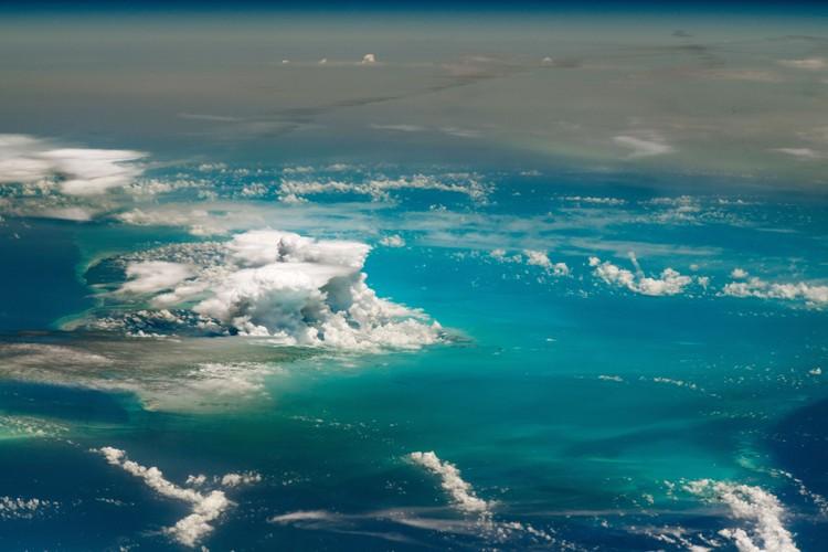 Kontes fotografi Tournament Earth mempertandingkan 32 foto hasil jepretan astronaut di luar angkasa