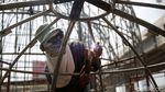 Melihat Pembuatan Kubah Masjid di Caman Bekasi