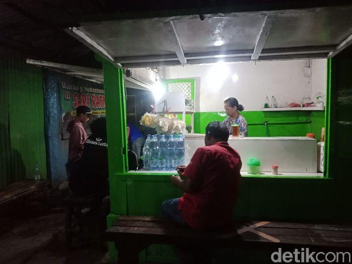 sate payudara sapi jadi menu sahur favorit warga Jombang, Jawa Timur.