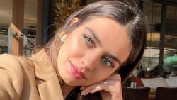 10 Foto Amine Gulse, Ratu Kecantikan Istri Pemain Bola Muslim Ozil