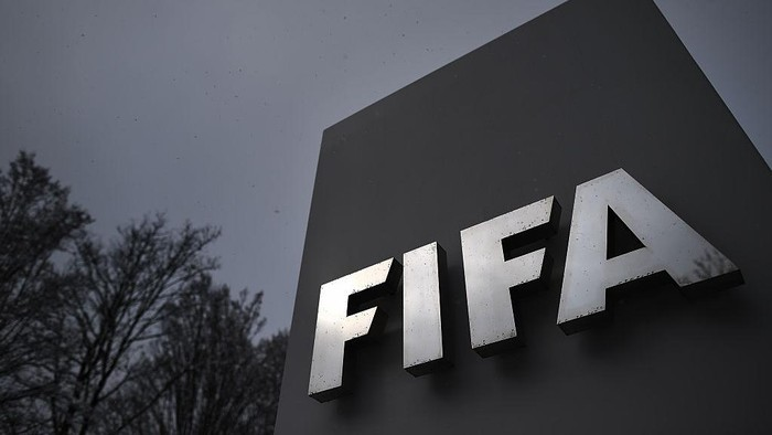 ZURICH, SWITZERLAND - FEBRUARY 25:  A FIFA logo seen near the headquarter Home of FIFA ahead of tomorrows Extraordinary FIFA Congress to elect a new FIFA President at Hallenstadion on February 25, 2016 in Zurich, Switzerland.  (Photo by Matthias Hangst/Getty Images)