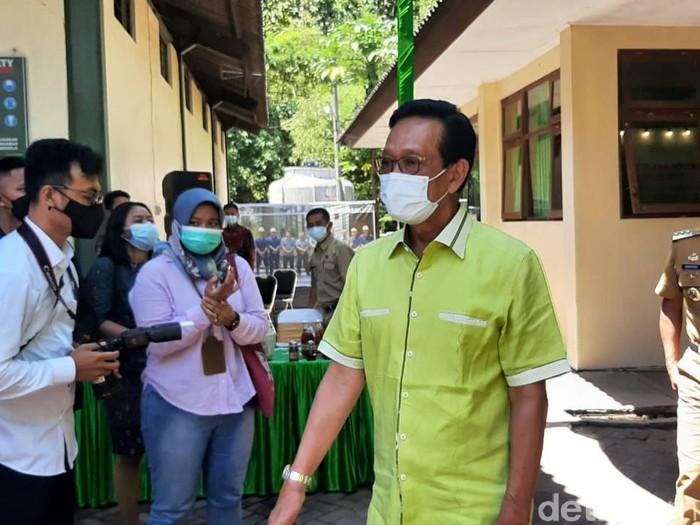 Gubernur DIY Sri Sultan HB di Gunungkidul, Senin (19/4/2021).