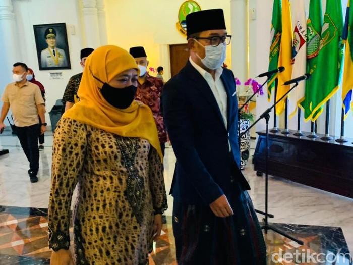 Gubernur Jawa Timur Khofifah Indar Parawansa bertemu dengan Gubernur Jawa Barat Ridwan Kamil (Kang Emil). Lalu apa tujuan Khofifah bertemu Kang Emil?