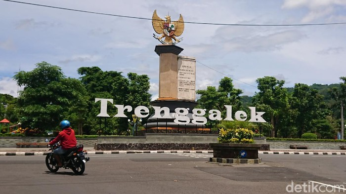 Disnakertrans Trenggalek mengintensifkan sosialisasi ke keluarga Pekerja Migran Indonesia (PMI/TKI). Disnakertrans mengimbau TKI tidak mudik Lebaran 2021.