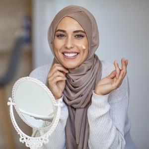 Pakaian Menurut Islam, Nggak Cuma Menutup Aurat