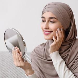 7 Tips Kecantikan Alami Dalam Islam, Siwak sampai Madu