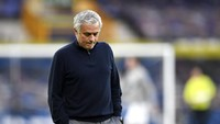 Tottenham Pecat Jose Mourinho?