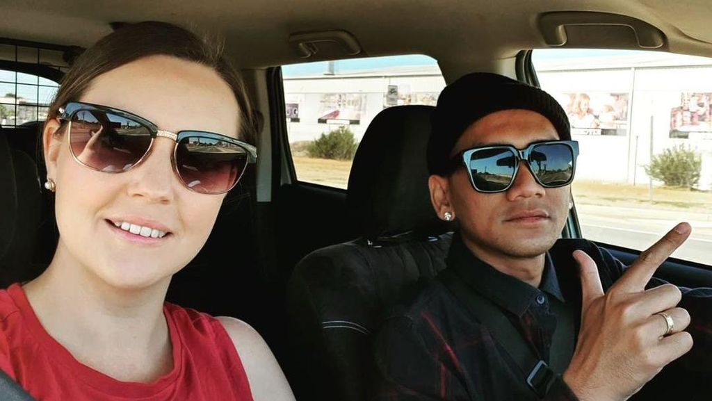 Kisah Viral Pria Asal Jember Menikahi Bule Australia