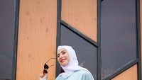 Kisah Hijrah Deswita Maharani, Bikin Ferry Maryadi Takjub Saat Berhijab