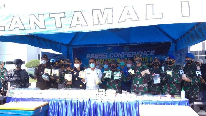 Konferensi pers penangkapan narkoba di Belawan (Datuk-detikcom)
