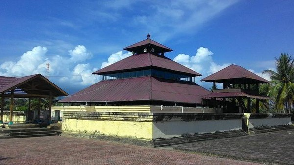 Pada masa kerajaan Sultan Iskandar Muda abad 1618 Masehi dijadikan sebagai masjid. Dok. disparpora.acehbesarkab.go.id.
