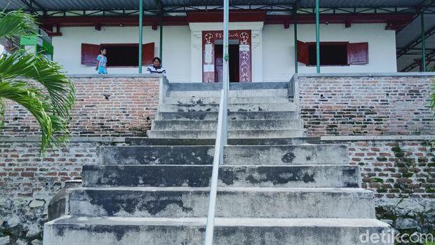 Masjid Sunan Pandanaran Klaten konon dipindahkan gegara suara azan terdengar hingga Demak