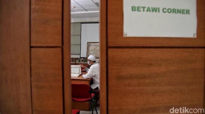 Di kawasan Perpustakaan Jakarta Islamic Center, Jakarta Utara, terdapat Betawi Corner. Betawi Corner adalah mini galeri yang menjelaskan penyebaran Islam di Betawi.