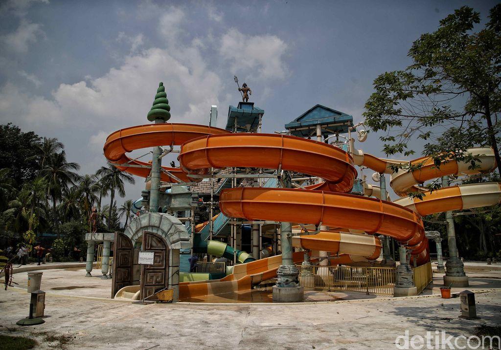 Kolam renang Atlantis viral di media sosial karena air kolam renangnya dikabarkan keruh. Seperti apa kondisi kolam renang yang berada di kawasan Ancol itu?