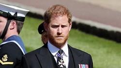 8 Foto Pangeran Harry Kembali ke Kerajaan di Pemakaman Pangeran Philip