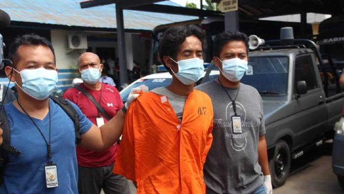 YJ (29), pelaku pembunuhan lansia di Buleleng, Bali.