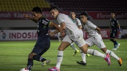 Hasil Semifinal Piala Menpora: Taklukkan PSS, Persib Tembus Final