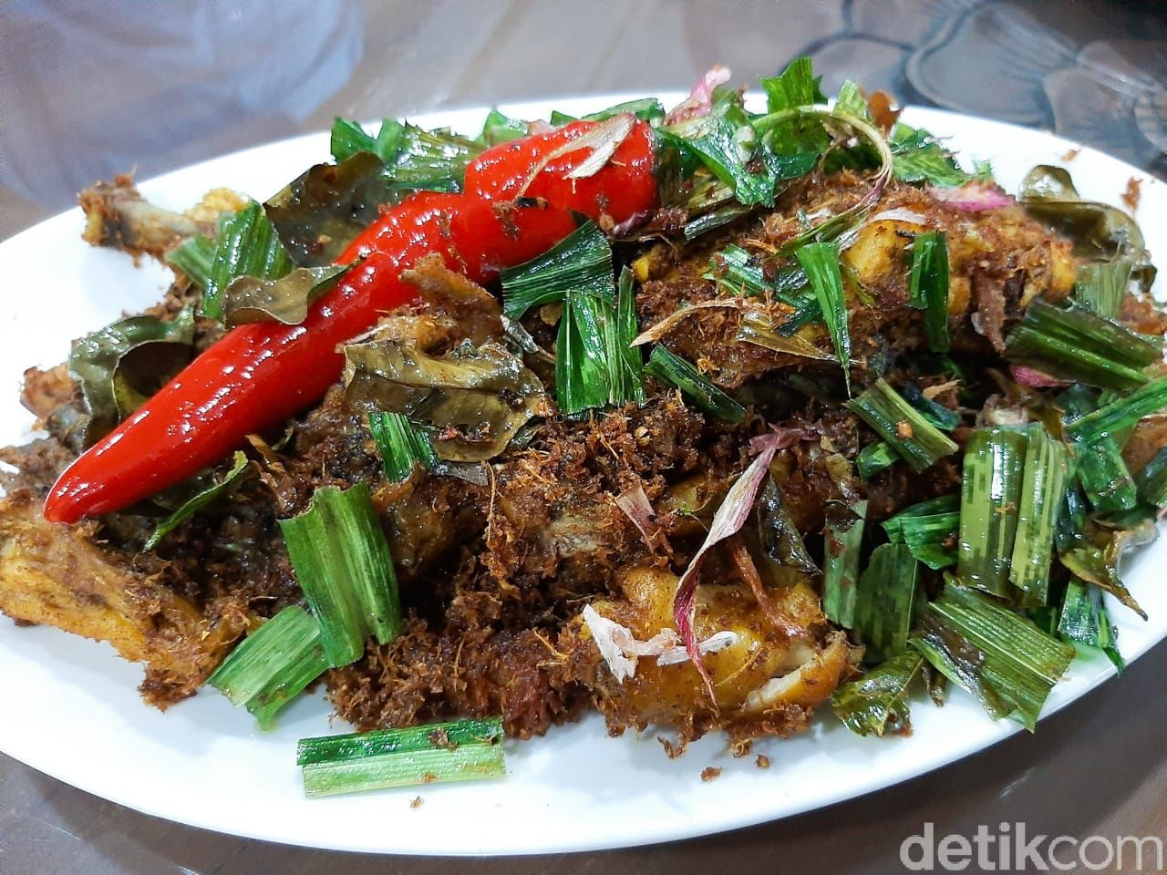 Resto d'SDL: Ayam Ngumpet dengan Serundeng Melimpah