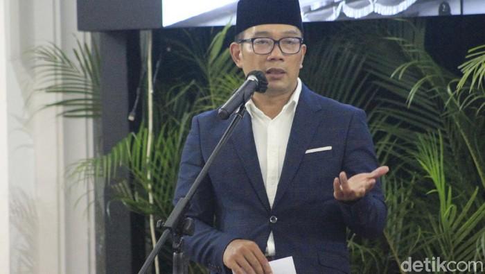Ridwan Kamil hadiahi dua pantun untuk Khofifah