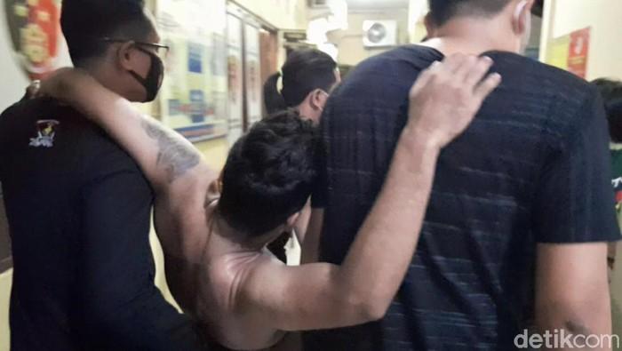 salah satu penguntit anak bupati brebes setelah dilumpuhkan polisi