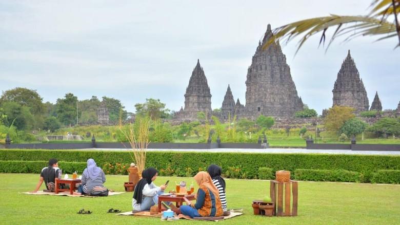 Suasana Ngabuburit Teample, menanti buka puasa sambil menikmati view Candi Prambanan (dok PT TWC)