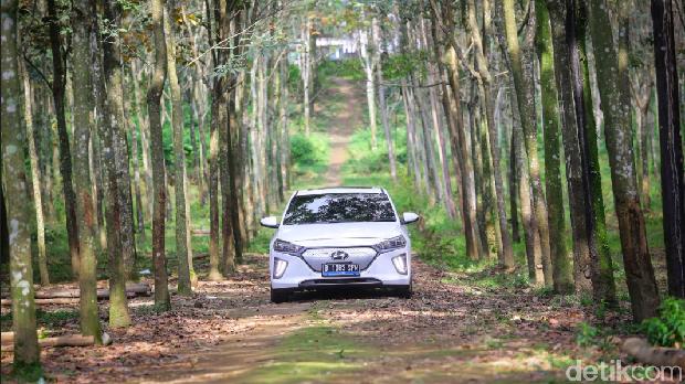 Hyundai Ioniq Tembus Jakarta-Bali