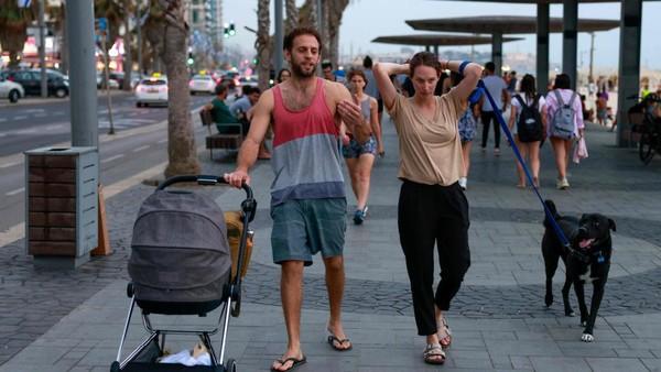 Kedatangan orang asing masih sangat terbatas. Namun mulai akhir Mei mendatang, Israel akan mengizinkan secara terbatas kedatangan turis yang sudah divaksinasi. (AFP)