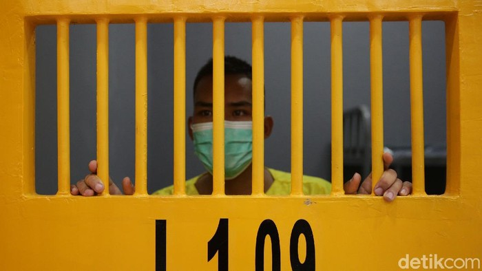 Markas Pomdam Jaya memiliki ruang tahanan militer dengan teknologi canggih. Nah, seperti apa sih canggihnya? Simak foto-fotonya berikut ini.