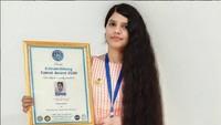 Gadis dengan Rambut Terpanjang Sedunia Potong Rambut, Begini Tampilannya Kini