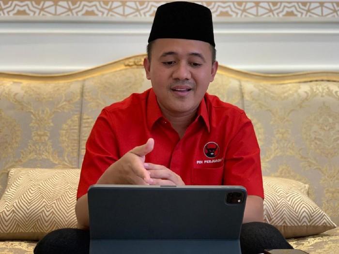 Presiden Joko Widodo akan me-reshuffle Kabinet Indonesia Maju. Dalam reshuffle ini, Jokowi berencana membentuk Kementerian Investasi.