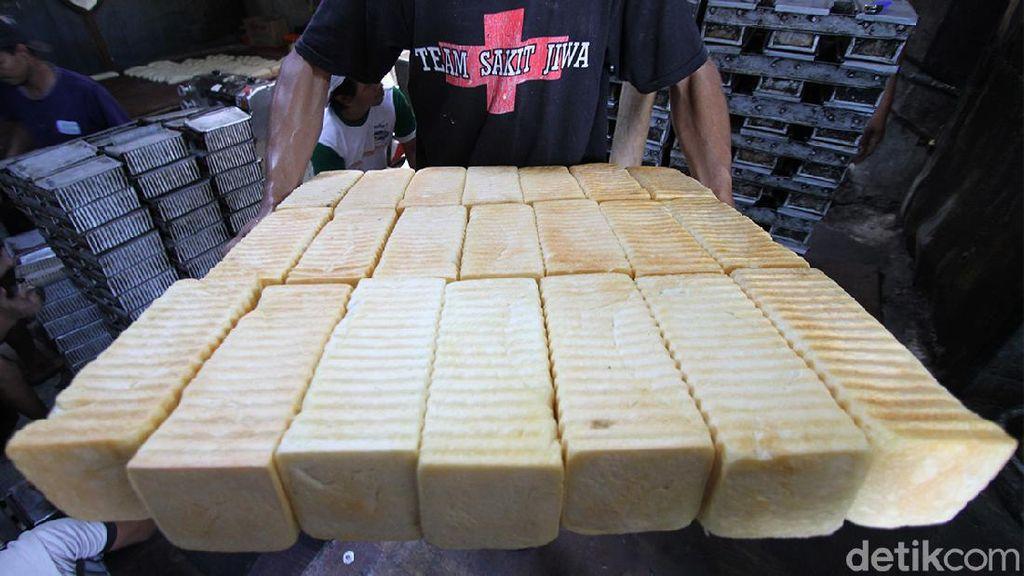 Produsen Roti di Solo Kebanjiran Order Selama Ramadhan
