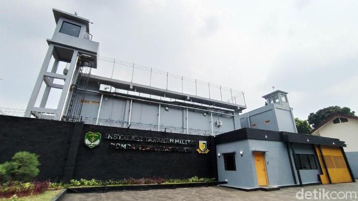 Kepala Staf Angkatan Darat (Kasad), Jenderal TNI Andika Perkasa meresmikan rumah tahanan militer berbasis artificial intelligence (AI). Instalasi smart berbasis teknologi canggih pertama di Indonesia ini berada di Markas Polisi Milter Kodam Jayakarta (Mapomdam Jaya), Setiabudi, Jakarta Selatan.