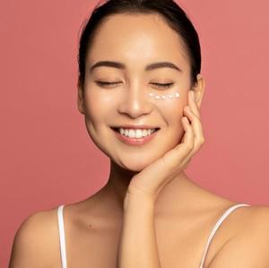9 Urutan Skincare Malam yang Tepat Agar Wajah Glowing
