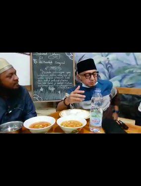 Ustaz Zacky Mirza Sering Kulineran Saat Safari Dakwah, Ini 5 Momennya